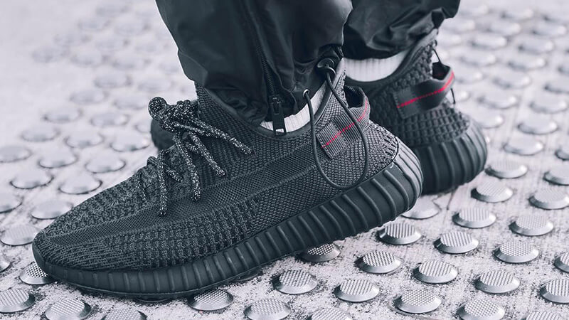 adidas yeezy boost triple black